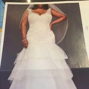Wedding Dress Woman's Size 18W Freshly Cleaned